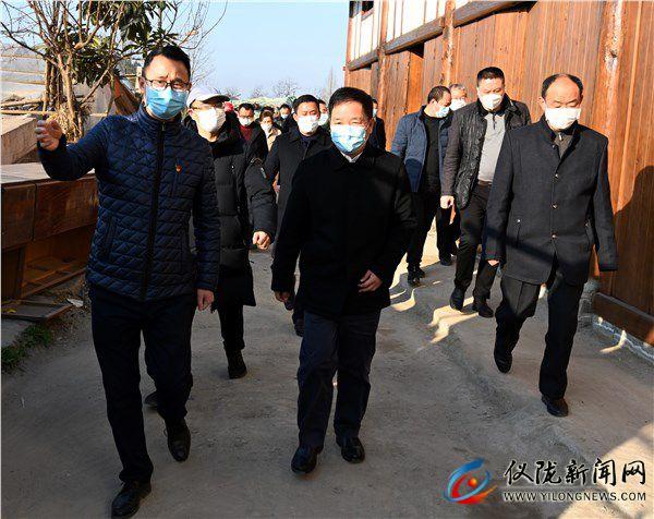 陈科调研新政镇疫情防控和旧城改造工作